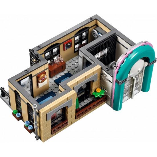 Конструктор Lion King 180146 Ресторанчик в центре (Downtown Diner), 15037, 10260