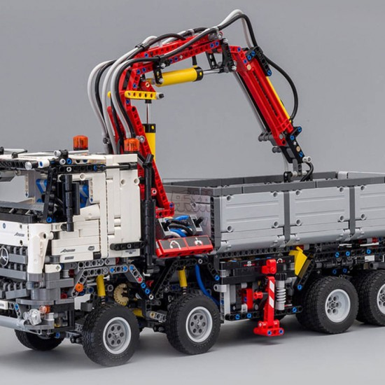 Конструктор 90005 KING&QUEEN грузовик Mercedes-Benz Arocs 3245 (бывший Lepin 20005) / аналог Lego 42043 Technics